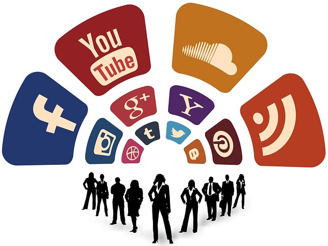 new bloggers should use social media to share